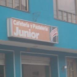 Cafetería y Pastelería Junior en Bogotá