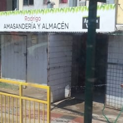 Amasandería y Almacén Rodrigo - El Monte en Santiago