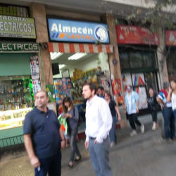 Almacén Leones - San Isidro en Santiago