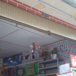 Distribuidora el Triunfo Accesorios Para Mascotas en Bogotá