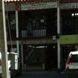Taller de Costuras Hilos y Puntadas en Santiago