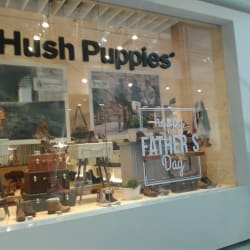 Hush Puppies - Mall Plaza Tobalaba en Santiago