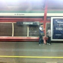 Estación Metro Pedrero en Santiago