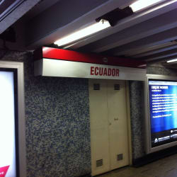 Estación Metro Ecuador en Santiago