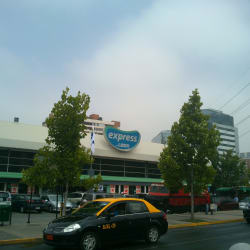 Supermercado Líder Express - Apoquindo / Manquehue en Santiago