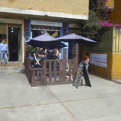 Jon Dech Café en Bogotá