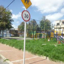 Parque Urbanización Santa Isabel Occidental Carrera 31B en Bogotá