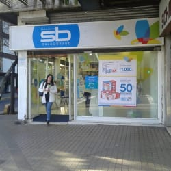 Farmacias Salcobrand - Lyon / Bilbao en Santiago
