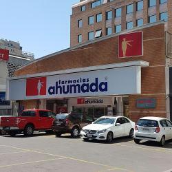 Farmacia Ahumada - Apoquindo / Puerta del Sol en Santiago