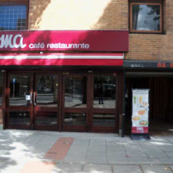 OMA Café Torre Colfondos en Bogotá