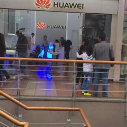 Huawei Plaza de las Américas en Bogotá