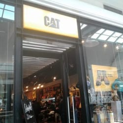 Cat - Mall Plaza Vespucio en Santiago