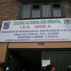 Colegio Distrital Altamira Sur Oriental Calle 42A Sur en Bogotá