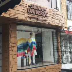 Skinny Universal en Bogotá