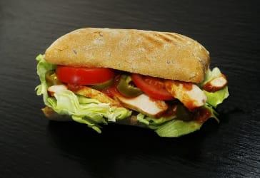 20% de descuento en sándwich relleno de pollo