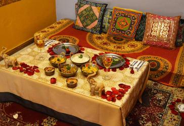 Cena romántica típica de la India
