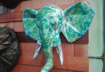 Elefante en cerámica para decorar la pared por $45.000
