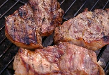 Carne o pechuga a la plancha por $17.000