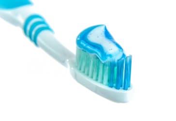 Crema dental Glister de Amway 2 unidades por $40.000