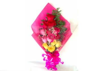 Bouquet de 12 rosas surtidas por $20.000 a domicilio
