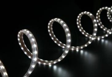 Cinta LED multicolor + control y adaptador por $49.000