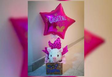 Caja decorada con peluche + globo personalizado por $50.000