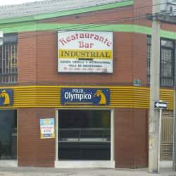 Pollo Olympico Carrera 70 con Calle 102 en Bogotá