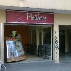 Pasteleros Hojaldre y Café  en Bogotá