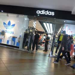Adidas Plaza de las Américas en Bogotá