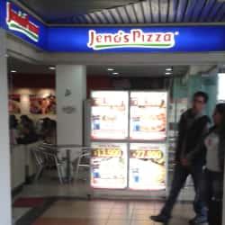 Jeno's Pizza Cafam Floresta en Bogotá