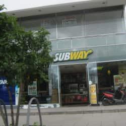 Subway Autopista con 97 en Bogotá