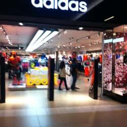 Adidas - Costanera Center en Santiago