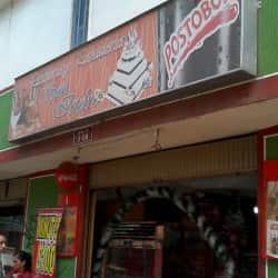 Panadería y Pastelería San Isidrio en Bogotá