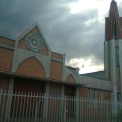 Iglesia San Bernabé Apóstol en Bogotá