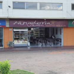 Panadería y Pastelería Santa Paula en Bogotá