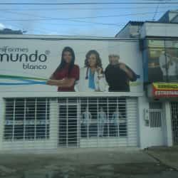 Uniformes Mundo Blanco en Bogotá