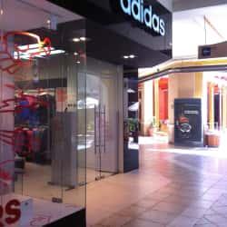 Adidas - Portal La Dehesa en Santiago