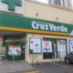 Farmacia Cruz Verde - Macul, José Pedro Alessandri en Santiago