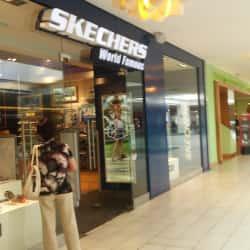 Skechers - Mall Plaza Egaña en Santiago