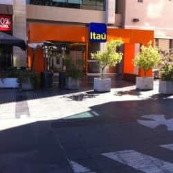 Banco Itaú - La Dehesa en Santiago
