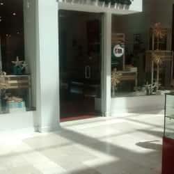 Hush Puppies - Mall Plaza Vespucio en Santiago