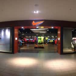 Nike - Mall Plaza Egaña en Santiago