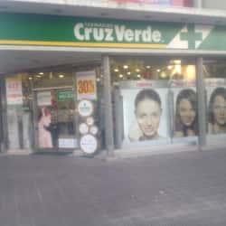 Farmacias Cruz Verde - Eliodoro Yáñez / Manuel Montt en Santiago