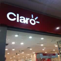 Claro - Metro Vicuña Mackenna en Santiago
