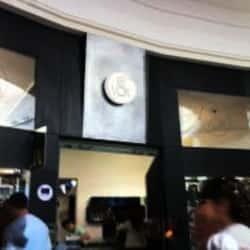 VOX - Mall Plaza Vespucio en Santiago