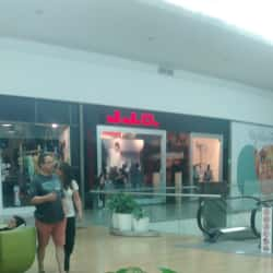 JJO - Mall Plaza Norte en Santiago