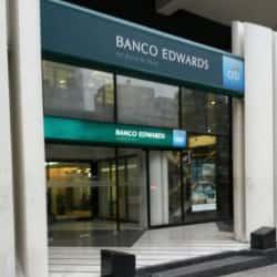 Banco Edwards Citi - Estación Metro Tobalaba en Santiago