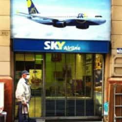 Sky Airline - Huérfanos  en Santiago