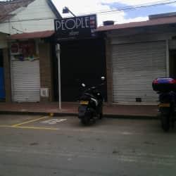 People Store Colombia en Bogotá