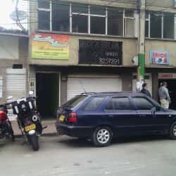 Pizzería 90º Calle 14  en Bogotá